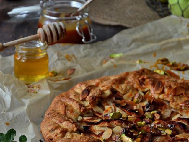 galette z jabłkami i domowym karmelem