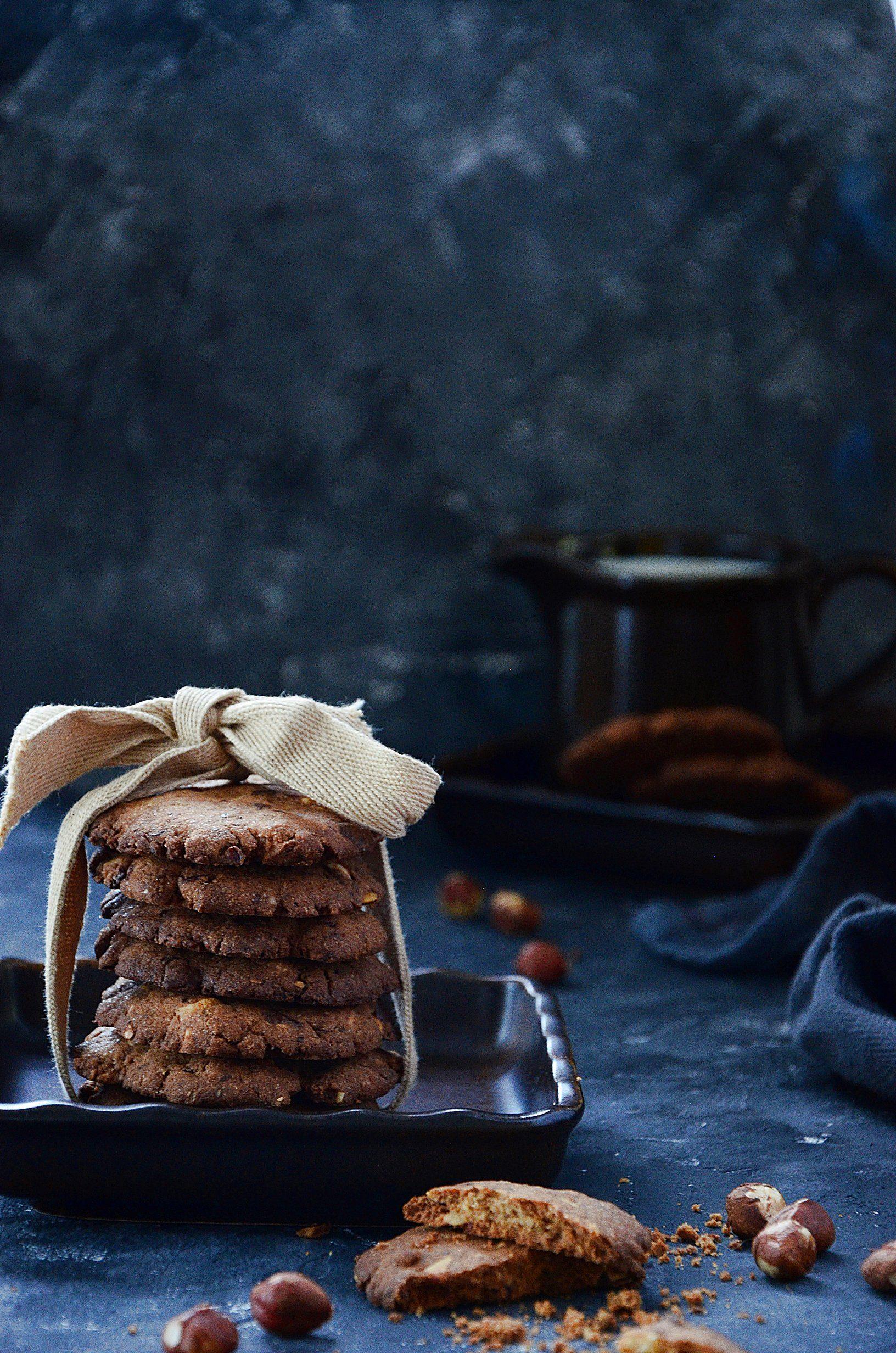 bezglutenowe ciasteczka z czekoladą i orzechami