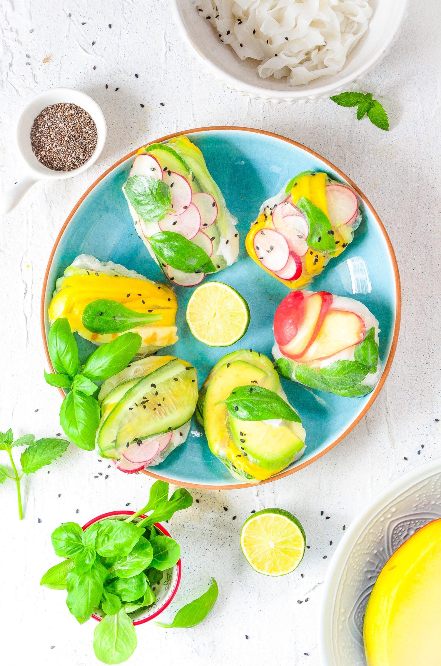 Mistrzowskie spring rollsy z halloumi, mango i awokado.